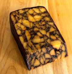 Irish Porter Cheddar is a firm white cheddar cheese made with porter added to it. The porter is brewed by Guinness in Dublin. Cheddar Cheese Recipes, Gourmet Cheese, White Cheddar Cheese, Cheese Shop, Cheese Lover, Brie, Welsh Recipes, Cottage Pie, Cheese