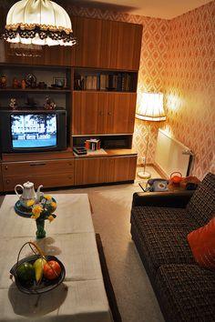das wohnzimmer teil 1 ein erster eindruck ddr museum. Black Bedroom Furniture Sets. Home Design Ideas