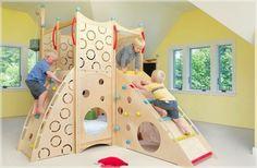 Kinderzimmer gestalten - coole Spielbetten für Kleinkinder aus Naturholz