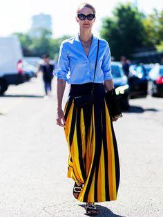 Lange bunte Röcke, die leicht und locker fallen sind perfekt für den Sommer.