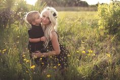 Maternity pictures, maternity picture ideas, maternity poses, what to wear for maternity pictures, bohemian maternity photo shoot, family maternity shoot, family maternity ideas,  beach maternity pictures, AriPhotography, Beyond the Wanderlust, Inspirational Photography Blog