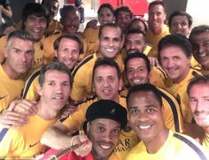 Ronaldinho posted a team selfie to his Twitter page before the game - can you name all the famous footballing faces?