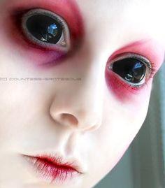 Creepy Alien Colored Contacts for Halloween. This looks like Splice. Halloween Contacts, Halloween Kostüm, Facepaint Halloween, Cute Halloween Nails, Pretty Halloween, Halloween Makeup Looks, Sfx Makeup, Costume Makeup, Face Makeup