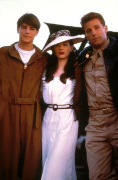 Josh Hartnett, Kate Beckinsale and Ben Affleck in Pearl Harbor, 2001 Movies Showing, Movies And Tv Shows, Pearl Harbor Movie, Pretty People, Beautiful People, Michael Bay, Movies Worth Watching, Film Serie, Ben Affleck