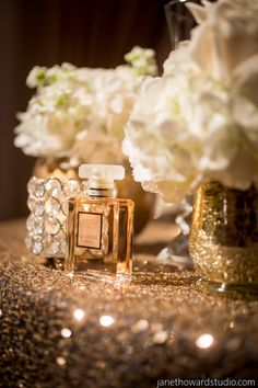 Chic Gold and Black Chanel Inspired Wedding in Atlanta - Munaluchi Bridal Magazine #cocochanel #gold #wedding