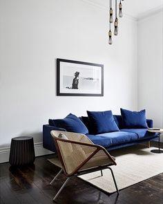 Blue Velvet Sofa via Taylor Knights decor blue sofa 25 Stunning Living Rooms with Blue Velvet Sofas Decoration Inspiration, Interior Design Inspiration, Home Interior Design, Design Ideas, Decor Ideas, Room Interior, Style Inspiration, Interior Photo, Luxury Interior