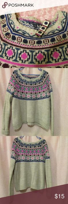 "American Eagle Outfitters Sweater This is in excellent used condition. No rips, tears, stains, etc. that I noticed. Zoom in to check pics before purchasing. Item sold as-is--no refunds, returns, exchanges, lawsuits, riots, marches, rallies, etc. Seriously, I described this item to the best of my ability but please check pics & ask questions! WILLING TO NEGOTIATE--Feel free to send an offer. I don't call ppl out for so called ""low-ball"" offers. TY Yaya American Eagle Outfitters Sweaters Crew…"