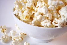 Jorge Cruise's Apple Pie Popcorn: Add extra flavor to popcorn with delicious spices. with apple pie spice