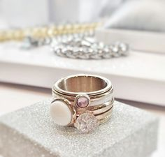 Pastel by ixxxi ❤ Pomellato, Jewelry Trends, Jewelry Accessories, Estilo Fashion, Perfume, Contemporary Jewellery, Fashion Rings, Jewelry Watches, Wedding Rings