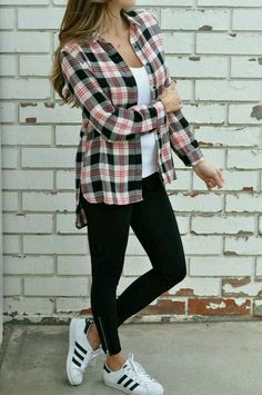Outfit Ideas to Make a Pretty Look for Fall - lilostyle Sporty Outfits, Classy Outfits, Trendy Outfits, Fall Outfits, Cute Outfits, Fashion Outfits, Flannel Outfits Summer, Flannel Shirt Outfit, Plaid Shirt Outfits