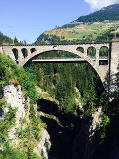 Solis-Brücke im Kanton Graubünden zwischen Tiefencastel und Thusis, Foto vom 20.7.2015 Kanton, Swiss Travel, Swiss Alps, Train Tracks, Stairways, Bridges, Trains, Around The Worlds, Europe