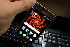 Samsung Galaxy J5 (2016) se prezintă la apel cu fix acelaşi procesor ca şi anul trecut, cel de pe modelul J5 şi anume un Snapdragon 410. Acesta ar…