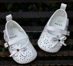 8dadce61b Baby Girl White Mary Jane Dress Crib Shoes Sandals Size 3-6 9-12 12-18  Months