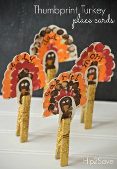 Turkey Thumbprint Place Cards (Thanksgiving Craft)