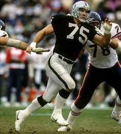 Howie Long took the approach of beating up the man in front of him and playing the run on the way to the quarterback. The result was all five opposing offensive linemen having to prepare for the most dominant defensive lineman in the NFL during the early '80s for both the run and pass.