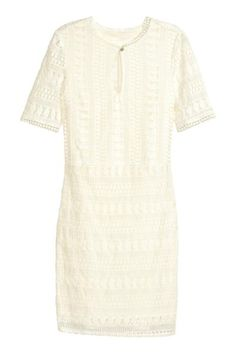 Lace dress in naturel white