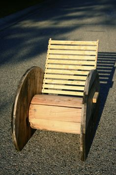 Repurposed Wire Spool Ideas - Spool Chair