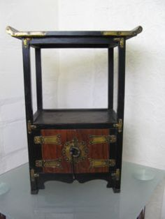 *NEWLY LISTED* $200 Vintage CHINESE Oriental CUPBOARD Temple 45x26x60cm Text 0411691171 or email info@bitspencer.com