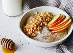 Rich and creamy whole30 breakfast cereal. Made in one minute! Can be made ahead. Paleo, gluten free, sugar free, and dairy free. A great alternative to malt-o-meal and oatmeal. Deliciously addicting and topped with apple crunchies and cinnamon.