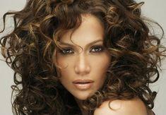 Dicas de cortes para cabelos grossos e volumosos