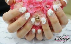#white #jeweled #nails #nailart