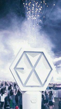 ❀ Lockscreens kpop ❀ - lightstick Exo ೄ Lightstick Exo, Kpop Exo, Chanyeol, Vaporwave, K Pop, Pop Photos, Exo Lockscreen, Bts And Exo, Wattpad