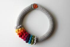 Crochet iNSPIRATION ~ Lots of Simple crochet necklace designs {rita cordeiro}