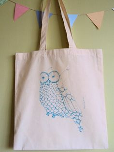 owl print on canvas bag [by marylundquist]