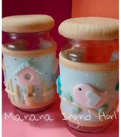 Colores pasteles. Polymer Clay Christmas, Cute Polymer Clay, Polymer Clay Miniatures, Polymer Clay Crafts, Pasta Art, Clay Jar, Jar Art, Clay Ornaments, Jar Lids