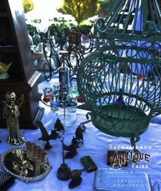 #Bird #figurines and a #birdcage #sacantiquefaire