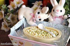Esse ovo recheado (de colher) é uma alternativa fácil e gostosa para quem quer dar um presente bacaninha na Páscoa, afinal quando a gente fazcom carinho tem muito mais valor né? O bom é que não pr…