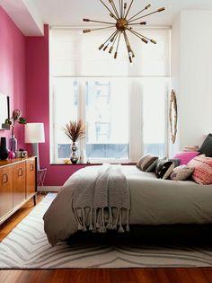 Classy midcentury modern bedroom in pretty pink with beautiful sputnik chandelier @pattonmelo