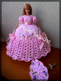 #Cléa5 #Moçaantiga #Vestido #Dress #Paragua #Sombrinha #Umbrella #Crochet #Muñeca #Doll #Barbie #RaquelGaucha