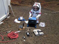 화성 거주 실험에 참여한 6명의 과학자들(사진)