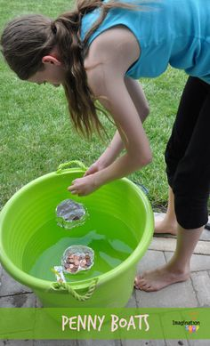 Does anyone remember doing this experiment back in grade school? Conduct this fun penny boat activity with your kids!- Little Passports #littlepassports #pennyboat #scienceforkids
