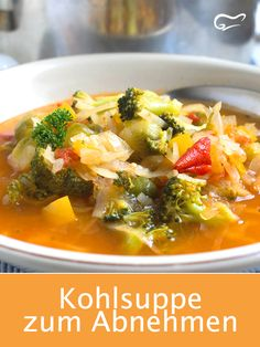 This cabbage soup is tasty, healthy and also helps you lose weight. Raw Food Recipes, Healthy Dinner Recipes, Soup Recipes, Diet Recipes, Vegetarian Recipes, Cabbage Soup Diet, Eating Plans, Fruits And Veggies, Eating Habits