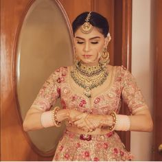 51 Most Beautiful Indian Bridal Makeup Looks and Clothing Ideas - Dulhan Images - AwesomeLifestyleFashion Indian Bridal Outfits, Indian Bridal Makeup, Bridal Makeup Looks, Indian Bridal Fashion, Bridal Looks, Bridal Style, Pakistani Outfits, Wedding Outfits, Wedding Dresses