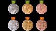 As medalhas para os Jogos Paralímpicos fazem barulho quando são agitadas (Foto: BBC)