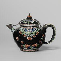 "Black Delftware teapot, marked APK for factory ""De Grieksche A"", Pieter Adriaensz. Kocx, 1705-1720, made in Delft, inventory number BK-NM-12400 Rijksmuseum Amsterdam, Amsterdam, The Netherlands"