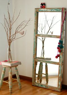 Decorate with little money: interesting ideas - Interior and Exterior Decoration - Decor Scan : The new way of thinking about your home and interior design Old Window Projects, Decoracion Low Cost, Recycled Door, Furniture Inspiration, Home And Living, Interior And Exterior, Ladder Decor, Painted Furniture, Farmhouse Decor