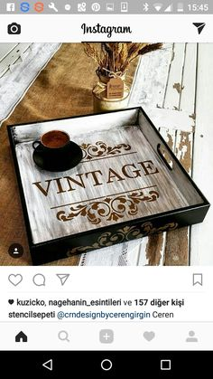 Ideas for reclaimed wood art diy stencils Chalk Paint Projects, Diy Craft Projects, Winter Art Projects, Painted Wooden Signs, Painted Trays, Decoupage Vintage, Stencil Diy, Stencils, Handmade Crafts