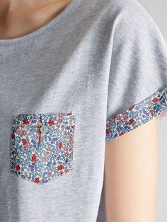 New sewing clothes refashion inspiration ideas ideas Diy Clothing, Sewing Clothes, Sewing Hacks, Sewing Crafts, Sewing Projects, Upcycled Crafts, Sewing Ideas, Rosa T Shirt, Diy Kleidung