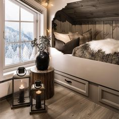 Green Bedding, Bedroom Green, Cozy Bedroom, Bedroom Decor, Cabin Interior Design, Mountain Decor, Cabin Interiors, Cottage Living, Scandinavian Home