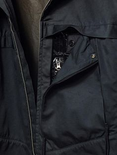 40803   CATEGORY RESIST_ SHIELD JACKET _ RASO-R 3L WITH WINDSTOPPER®   Developed in association with W.L. Gore and Associates exclusively for STONE ISLAND SHADOW, RASO-R 3L in many ways represents the creation and ultimate expression of the SHADOW PROJECT concept.
