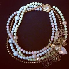 Glamorous necklace created with Swarovski pearls, by TRIA ALFA. #swarovski #pearls #fashion #style #brooch