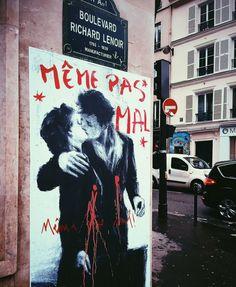 Avec le Hashtag le street art rend hommage à Paris Street Art Love, Urban Street Art, Urban Art, Banksy, Grafitti Street, Graffiti Art, Illustrations, Illustration Art, Photographie Street Art