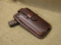 Retro minimalist leather iPhone 4/4s and iPhone5 bag - Hand Stitched iphone case (Dark brown wax leather)