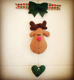 Enfeite de Porta Rena, sua casa merece esse mimo ❤️ #partystudiopersonalizado #feitoamão #feitocomamor #felt #feltro #artesanato #marrychristmas #natal #christmas #rena #façasuaencomendadenatal