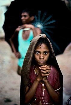 Steve McCurry 1983 Rajasthan. Ajmer. INDIA. Magnum Photos -