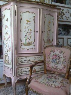 Imagini pentru mobila pictata manual Armoire, House, Furniture, Home Decor, Do It Yourself, Clothes Stand, Homemade Home Decor, Closet, Haus